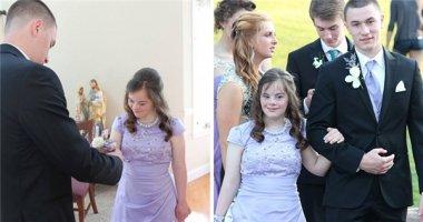 Cảm động chàng trai giữ lời hứa 7 năm với cô bạn mắc hội chứng Down