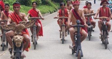Thích thú với cuộc đua xe gỗ đầy thú vị ở Philippines