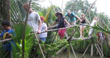 Cầu khỉ ở miền Tây lọt top cầu treo đáng sợ nhất thế giới