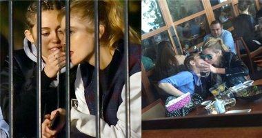 """""""Tan chảy"""" với hình ảnh Miley Cyrus tận tình chăm sóc bạn gái"""