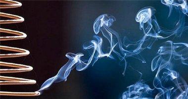 Sốc: Khói nhang độc hại không kém khói thuốc lá