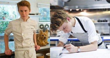 Bếp trưởng 16 tuổi siêu điển trai không phục vụ kịp khách vì quá đông
