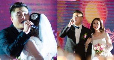 """Vũ Duy Khánh tình cảm hát """"Vợ yêu"""" tặng Tiên Moon trong lễ cưới"""