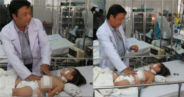 Bác sĩ tha thiết xin gia đình cho phẫu thuật cứu sống bệnh nhi