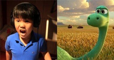 """Bé Trọng Khang gây bất ngờ khi lồng tiếng phim """"The good dinosaur"""""""