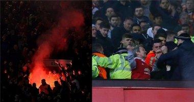 """Fan MU và Liverpool """"hỗn chiến"""" sau trận đấu"""