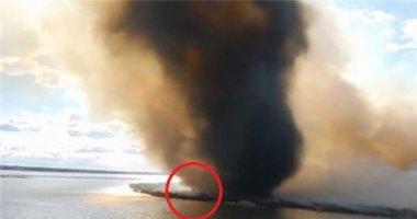 Video: Lốc xoáy lửa khổng lồ hiếm có ở Canada truy sát lính cứu hỏa
