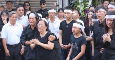Dòng người khóc thương  tiễn nhạc sĩ Nguyễn Ánh 9 về nơi an nghỉ