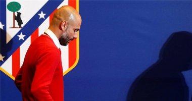 Pep Guardiola chê mặt cỏ quá cao và học trò quá chậm