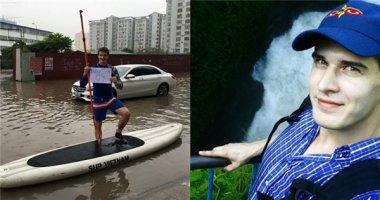 """""""Soi"""" lí lịch và dung nhan chàng Tây mở """"dịch vụ thuyền ôm"""" ở Hà Nội"""