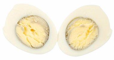 Vì sao trứng luộc chín thường có quầng đen xung quanh lòng đỏ?