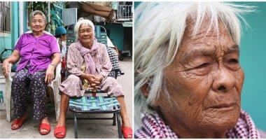 Quặn lòng chuyện 2 bà cụ không nhà, run rẩy giữa mùa Sài Gòn mưa gió