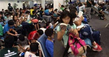 Hình ảnh các trẻ em Nhật đọc sách thay vì dùng smartphone gây sốt