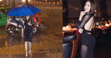 """""""Phát sốt"""" với hình ảnh Elly Trần diện váy xuyên thấu đi giữa trời mưa"""