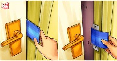 Bạn có thể dùng cách này để mở cửa phòng nếu lỡ quên chìa khóa