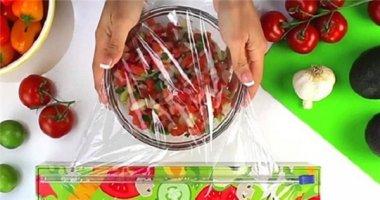 Bỏ túi 17 công dụng hay ho từ chiếc màng bọc thực phẩm