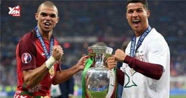 """Bồ Đào Nha vô địch Euro 2016 nhờ """"vận đen"""" Ronaldo"""