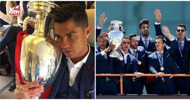 """Bồ Đào Nha hoành tráng đón """"người hùng"""" chiến thắng Euro 2016 trở về"""
