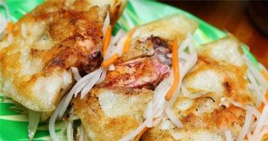 Ngỡ ngàng vì bánh xèo mực nhiều hơn bột ở Nha Trang