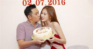 Diễn viên Thiên Bảo hạnh phúc đón tuổi mới bên vợ sắp cưới