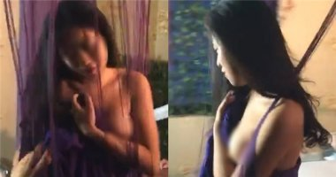 Lộ ngực khi đang livestream, hot girl Hà Nội khóa cửa trang cá nhân