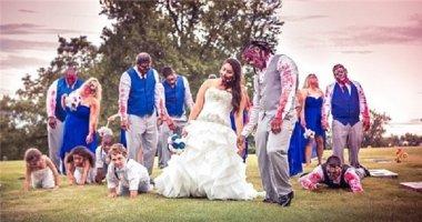 Khi cặp đôi là fan cuồng phim kinh dị, đám cưới của họ toàn... thây ma