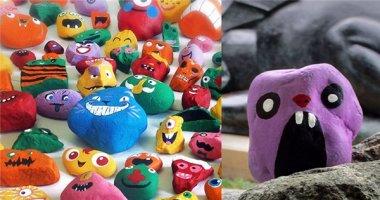 Choáng với bộ sưu tập 1000 viên đá được vẽ với các biểu cảm khác nhau