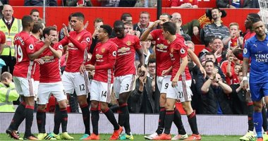Rooney dự bị, Pogba ghi bàn, Man United vùi dập Leicester City