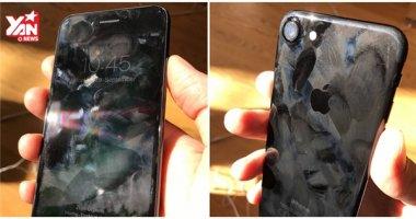 """iPhone 7 """"kinh tởm"""" đến mức nào khi trưng bày trong Apple Store?"""