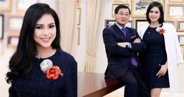 """Vợ chồng """"ông vua hàng hiệu"""" Việt Nam được vinh danh thế giới"""