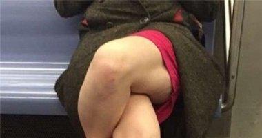 """Chỉ ngồi vắt chéo chân, người phụ nữ này khiến cả thế giới """"phát điên"""""""