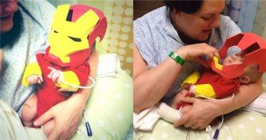 Xúc động trước hình ảnh bé sơ sinh Iron man đáng yêu nhất thế giới