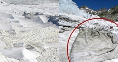 """Xót xa cảnh người dân Thụy Sỹ """"đắp chăn"""" để cứu sông băng"""