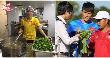 Công Vinh mua rau sạch, tự tay nấu ăn cho đồng đội