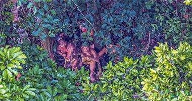 Độc đáo hình ảnh bộ tộc sống như người nguyên thủy 20.000 năm trước
