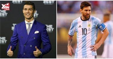 """Vừa nhận giải, Ronaldo liền """"đá xoáy"""" Messi và các cầu thủ Barcelona"""