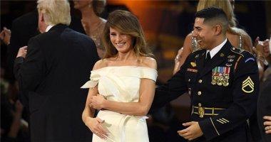 Ngoài ông Trump, ai là người may mắn được khiêu vũ với bà Trump?