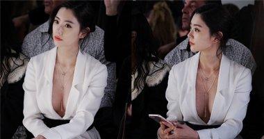 """Màn khoe vòng 1 của """"người đẹp hở bạo"""" xứ Hàn gây chú ý tại NYFW"""