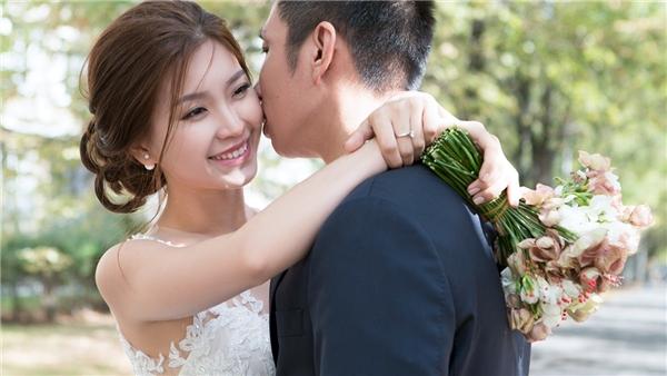 Diễm Trang và ông xã nhận được rất nhiều lời khen tặng xứng đôi vừa lứa. - Tin sao Viet - Tin tuc sao Viet - Scandal sao Viet - Tin tuc cua Sao - Tin cua Sao