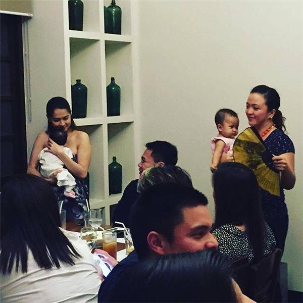 Mĩ nhân Philippines rạng rỡ trong tiệc đầy tháng con gái