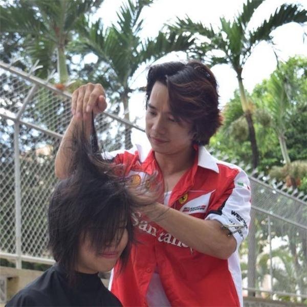 Cảm phục hành động đẹp của chàng Việt kiều ngẫu hứng hớt miễn phí