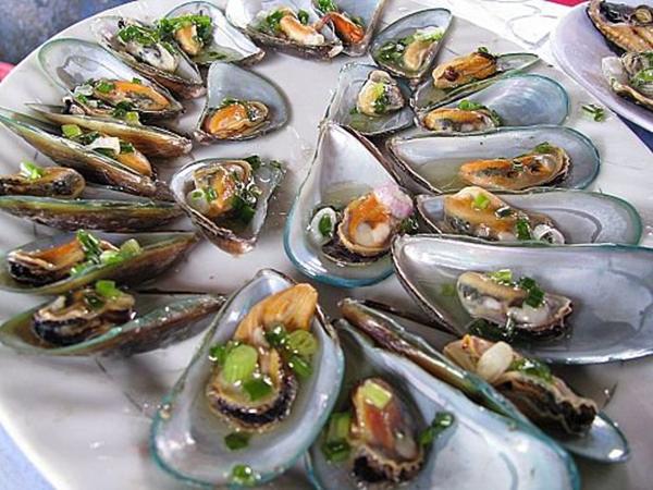 Một Vài Món Ăn Được Chế Biến Từ Các Loại Hải Sản Ở Long Sơn.