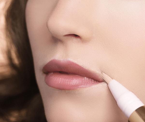 """Viền môi bằng màu nude tiệp với màu da mang lại cho bạn khuônmôi """"chuẩn không cần chỉnh"""". (Ảnh: Internet)"""