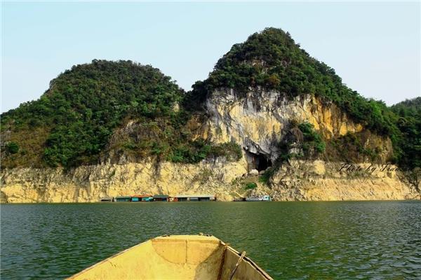 """Nơi đây được mệnh danh là """"vịnhHạ Long"""" trên cạn bởi sở hữu vẻ đẹp vô cùng phong phú.(Ảnh: Internet)"""