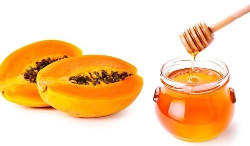 Xay nhuyễn đu đủ chín và áp dụng hỗn hợp này lên vùng da cổ, tay, mặt bị rám nắng, bạn cũng có thể tăng cường tác dụng bằng cách thêm mật ong vào hỗn hợp này. Ảnh: Indian