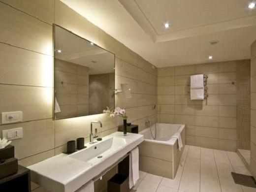Nhà vệ sinh rộng rãi