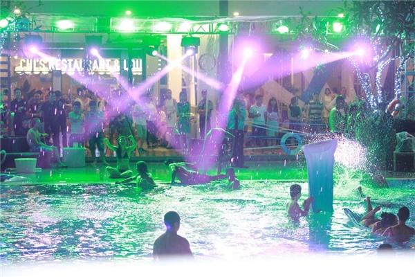 Kết quả hình ảnh cho tiệc bể bơi âm nhạc