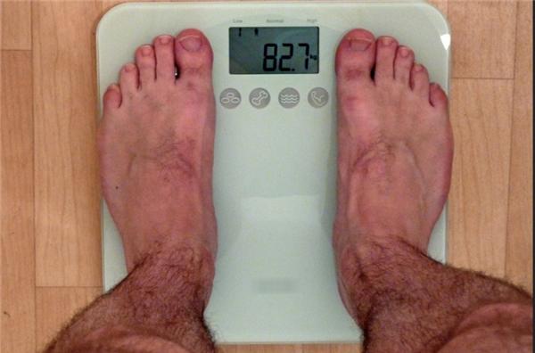 Hiện tượng tăng cân bất thường sau 1 đêm khiến nhiều người sốc nặng.
