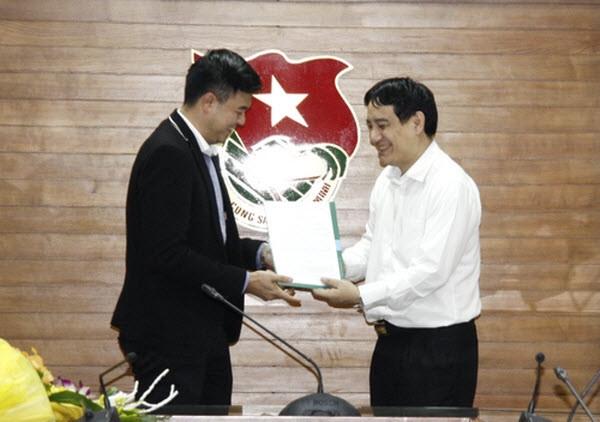 Tuấn Tú chính thức được phong hàm Thiếu tá và giữ chức vụ Phó ban Tuyên giáo Trung ương Đoàn.
