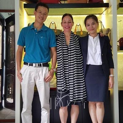 Một đối tác nước ngoài đến làm việc với chị Mai. Ảnh nhân vật cung cấp.